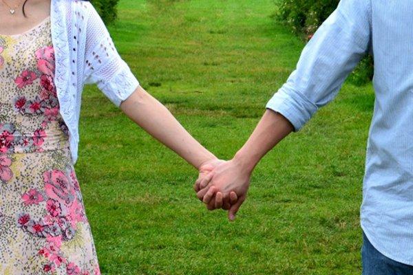 初デートで手をつなぐ時の5つのタイミング