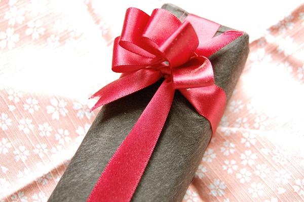 彼氏の誕生日プレゼントを渡す時の喜ばれる渡し方5選