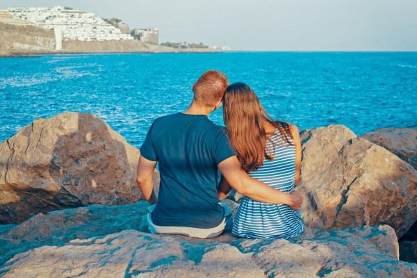 couple_ocean