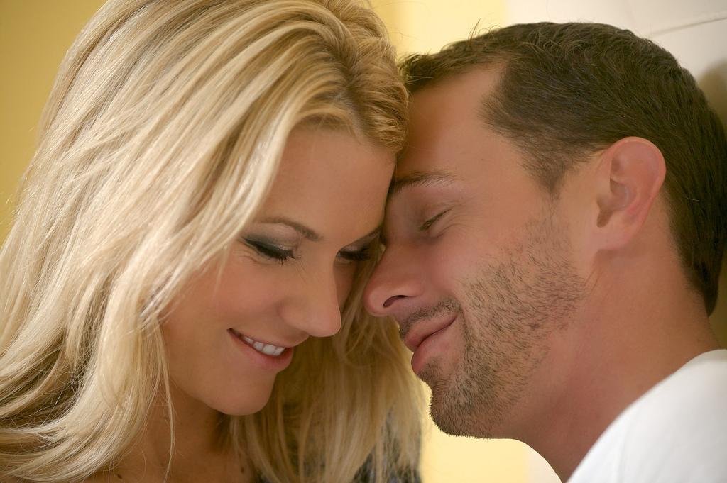 「俺の隣にいるだけでいい。」男性が一緒にいたいと思う女性の特徴